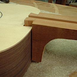 construction d une guitare blanca - Page 7 Dovetailjoint